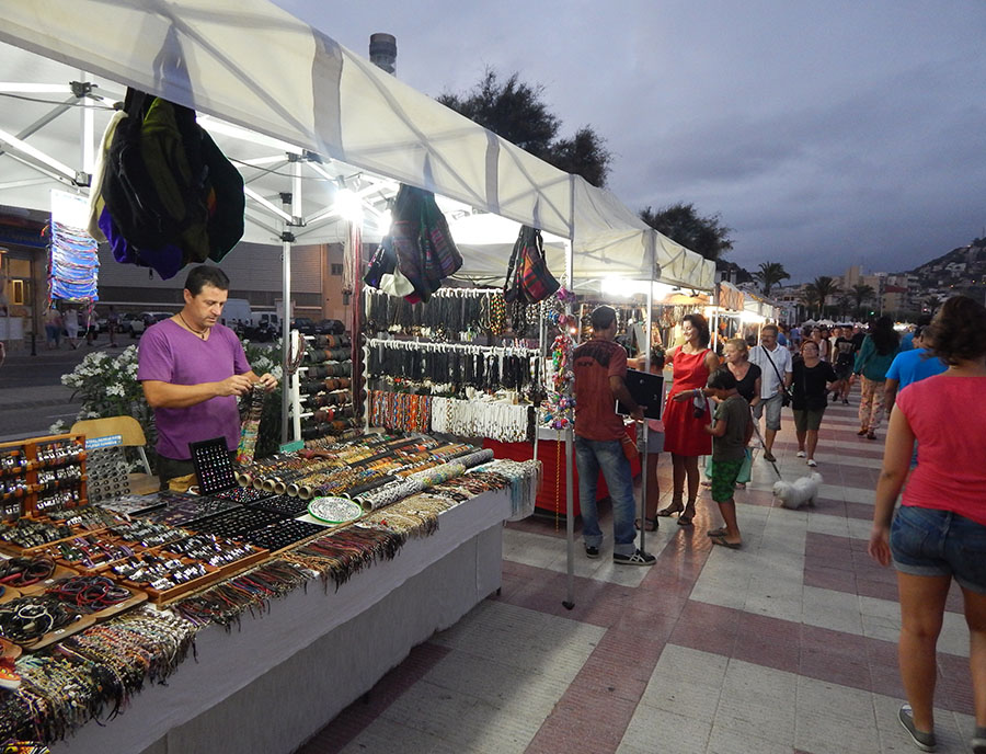 Jugendreisen Blanes - Spanien Costa Brava - Strandpromenade abends