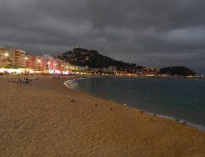 Jugendreisen Blanes - Spanien Costa Brava - Strand nachts