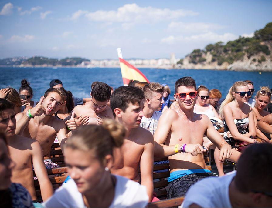 Jugendreisen Calella Spanien - Fahrt zur Partybeach