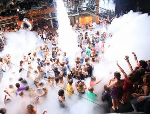 Jugendreisen Calella Spanien Party und Feiern im Club