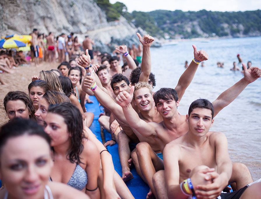 Jugendreisen Calella Spanien - Partybeach Action