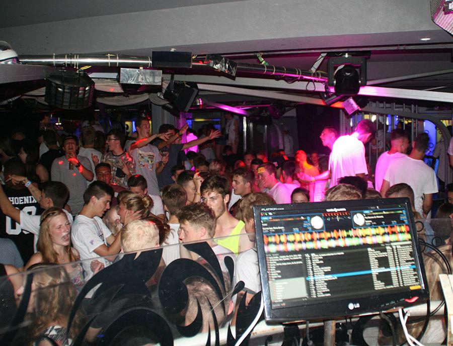 Jugendreisen Calella Spanien - Partybild aus der Disco