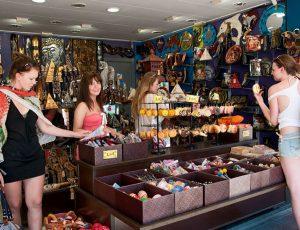 Jugendreisen Calella Spanien Souvenirs shoppen