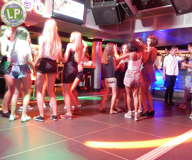Jugendreisen im Carnaby - Partyreise Rimini