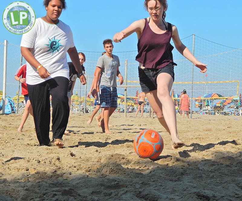 Aktivitäten Rimini Jugendreisen Partyurlaub - Beachsoccer