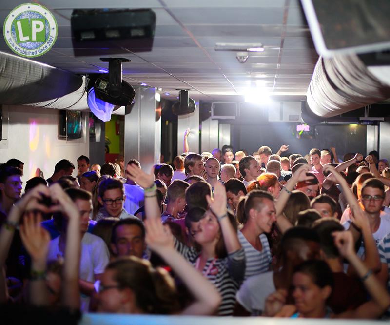 Stimmung Dancefloor Life - Jugendreisen Partyurlaub Rimini