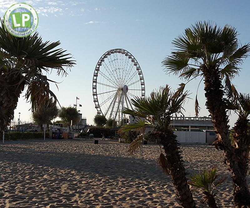 Partyurlaub Rimini Riesenrad am Strand