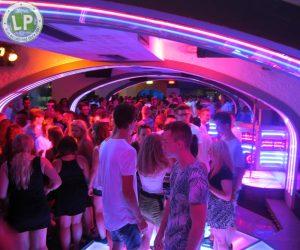 Tanzfläche in der Diskothek Life in Rimini - Blackroom