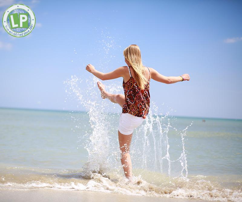 Fotoshooting Jugendreisen Rimini - Mädchen am Strand