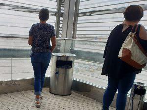 Offiiell Rauchen Flughafen Palma nach Sicherkeitskontrolle - Check-In