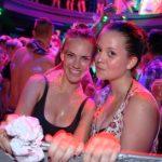 Partyabend - Jugendreisen Siofok Mädels im Schaum