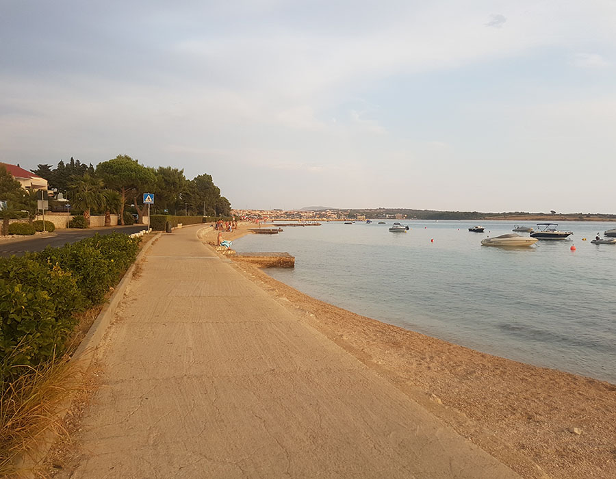 Informationen Jugendreisen Kroatien Novalja Strandpromenade