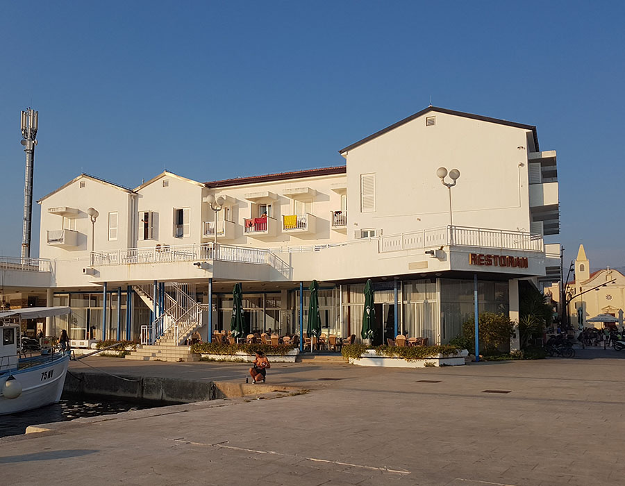 Jugendreisen Novalja Kroatien Informationen Hotel Loza Unterkunft