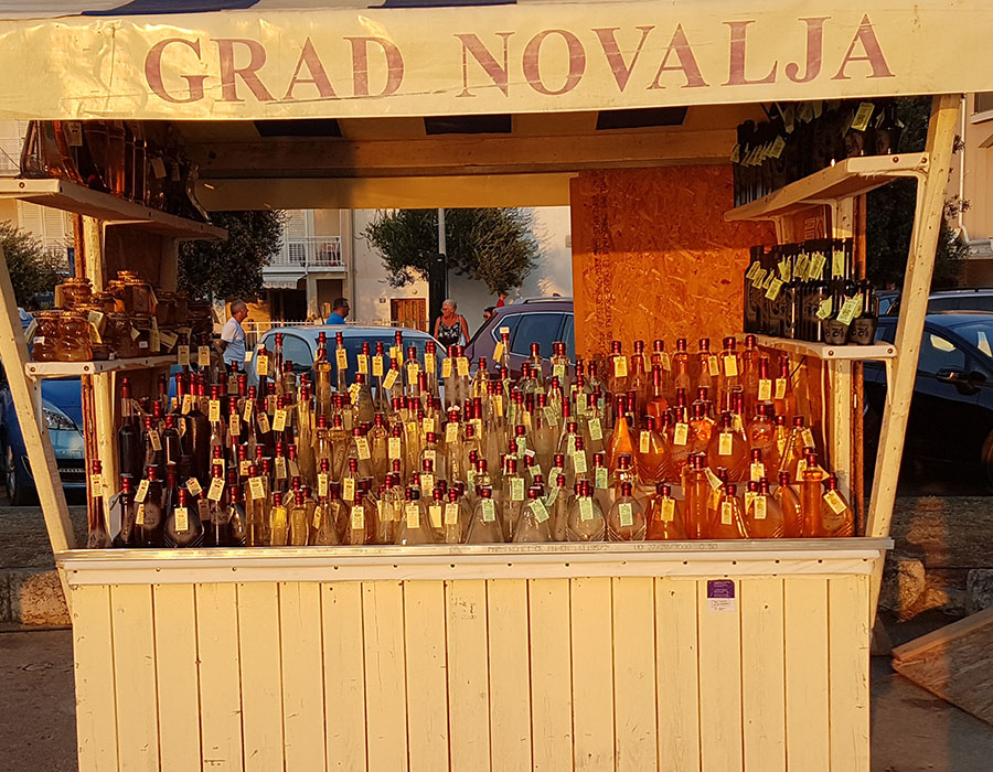 Jugendreisen Novalja Kroatien Informationen Preise am Abendmark