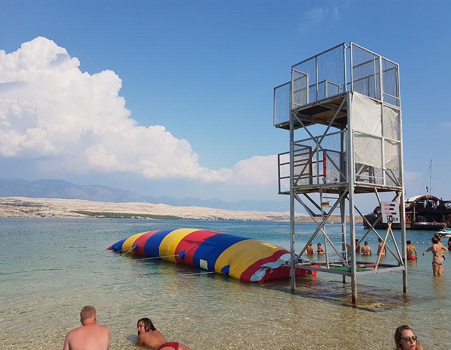 Urlaub Novalja Zrce Beach Kroatien Aktivitäten Angebote am Strand