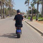 Partyurlaub im September Mallorca Elektroroller fahren