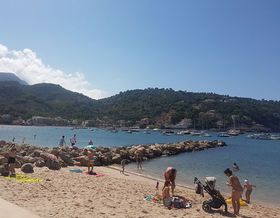 Partyurlaub im September Mallorca Strand Trip