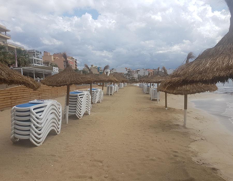 Partyurlaub im September Mallorca Strand nach Regen