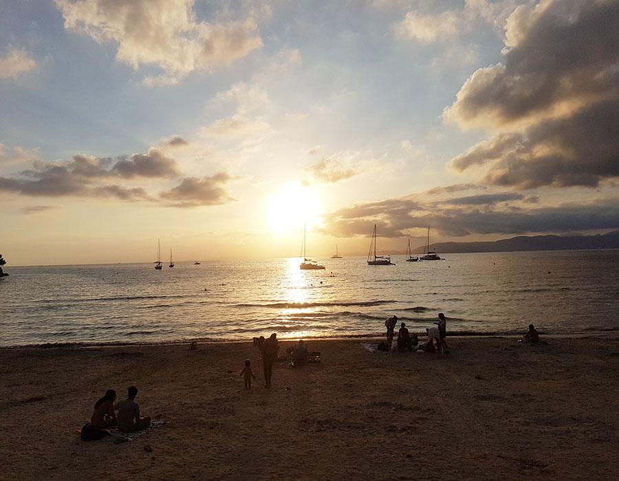Partyurlaub im September Mallorca - Sonnenuntergang am Strand