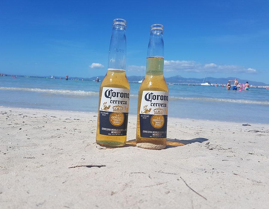 Partyurlaub im September Mallorca Corona am Strand