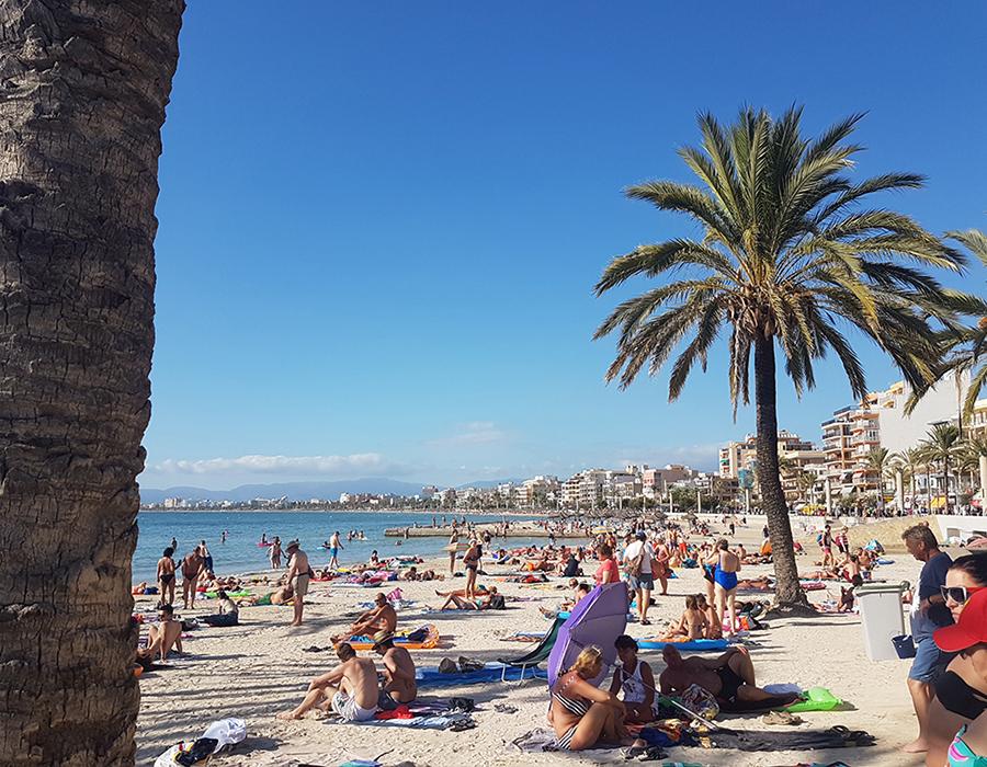 Partyurlaub im September Mallorca Strand La Palma