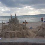 Partyurlaub im September Mallorca Strandkunst