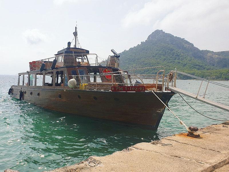 Fischerboot am Strand vom Cap Formentor