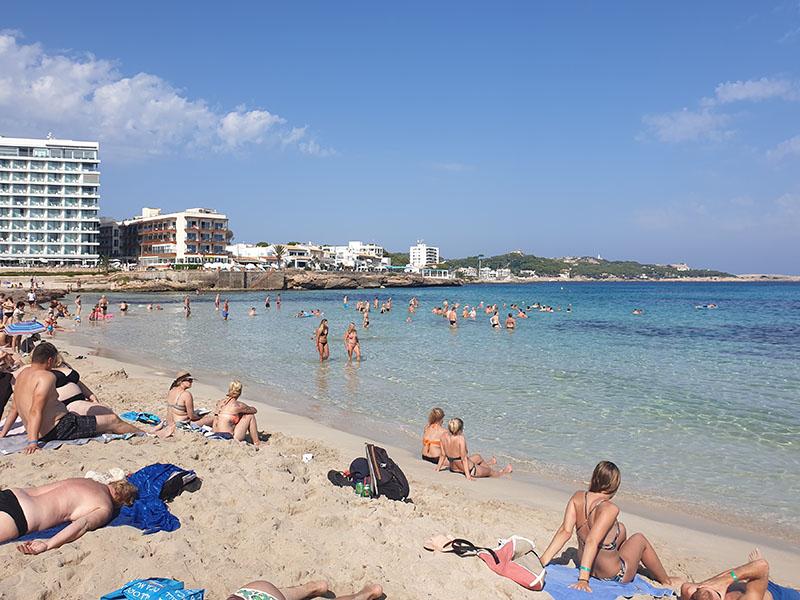 Relaxen am Sandstrand San Moll