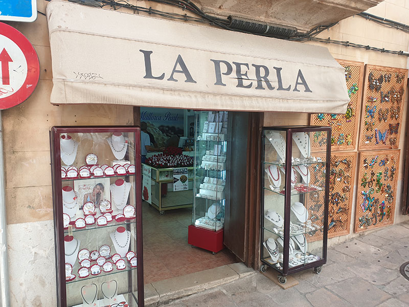Shoppen in Palma hier La Perla