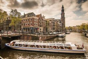 Städtetrip Amsterdam Grachtenfahrt