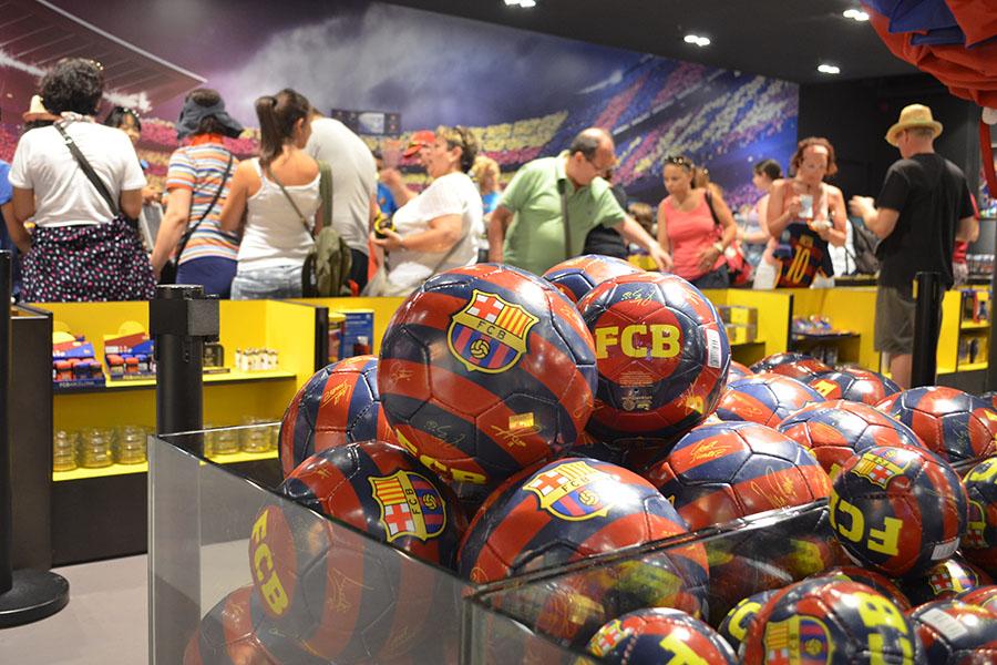 Klassenfahrten nach Barcelona Ausflug Camp Nou hier Fanshop FC Barcelona