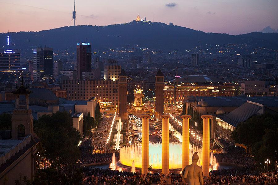 Tipps für Städtereisen Barcelona die Lichterspiele an der Font Magica