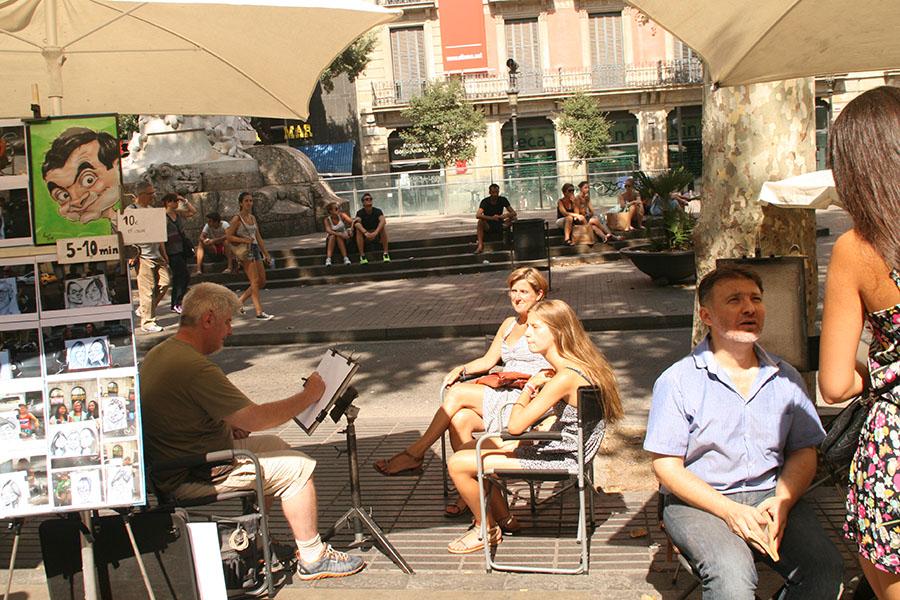 Typische Straßenkünstler in den Les Rambles in Barcelona