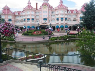 Disneyland von außen Ausflug Städtereisen Paris