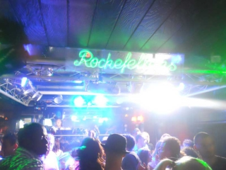 Party in Lloret de Mar hier Bar Rockfellers
