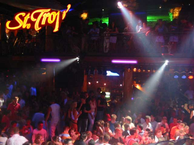 Partyurlaub Lloret de Mar Erfahrungen beste Clubs - Party St.Trop