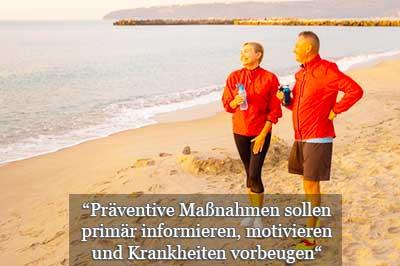 Prävention Definition und Ziele Präventionssport präventive Maßnahmen - hier Paar am Strand