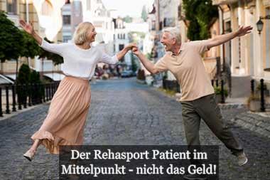 Rehasport erfolgreich vermarkten Tipps - hier gesundes älteres Paar